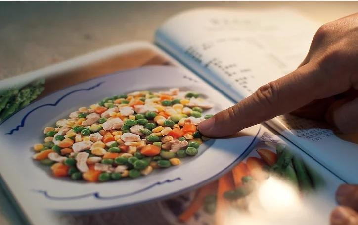 غذای گیاهی بخوریم حالی که بقیه irnab ir چگونه غذای گیاهی بخوریم در حالی که بقیه ی اعضای خانواده گوشت خوار هستند